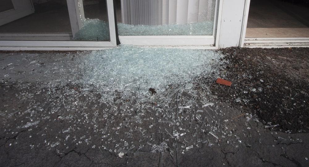 Broken Glass Door in Miami FL